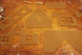 Hämmentäjä: Vinkkejä piparkakkutalon rakentamiseen Gingerbread house Piparkakkutalo