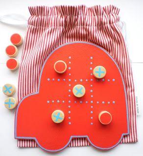 «jogo do galo feito no jardim de infância com caixas de cd - Pesquisa Google                                                                                                                                                                                 Mais