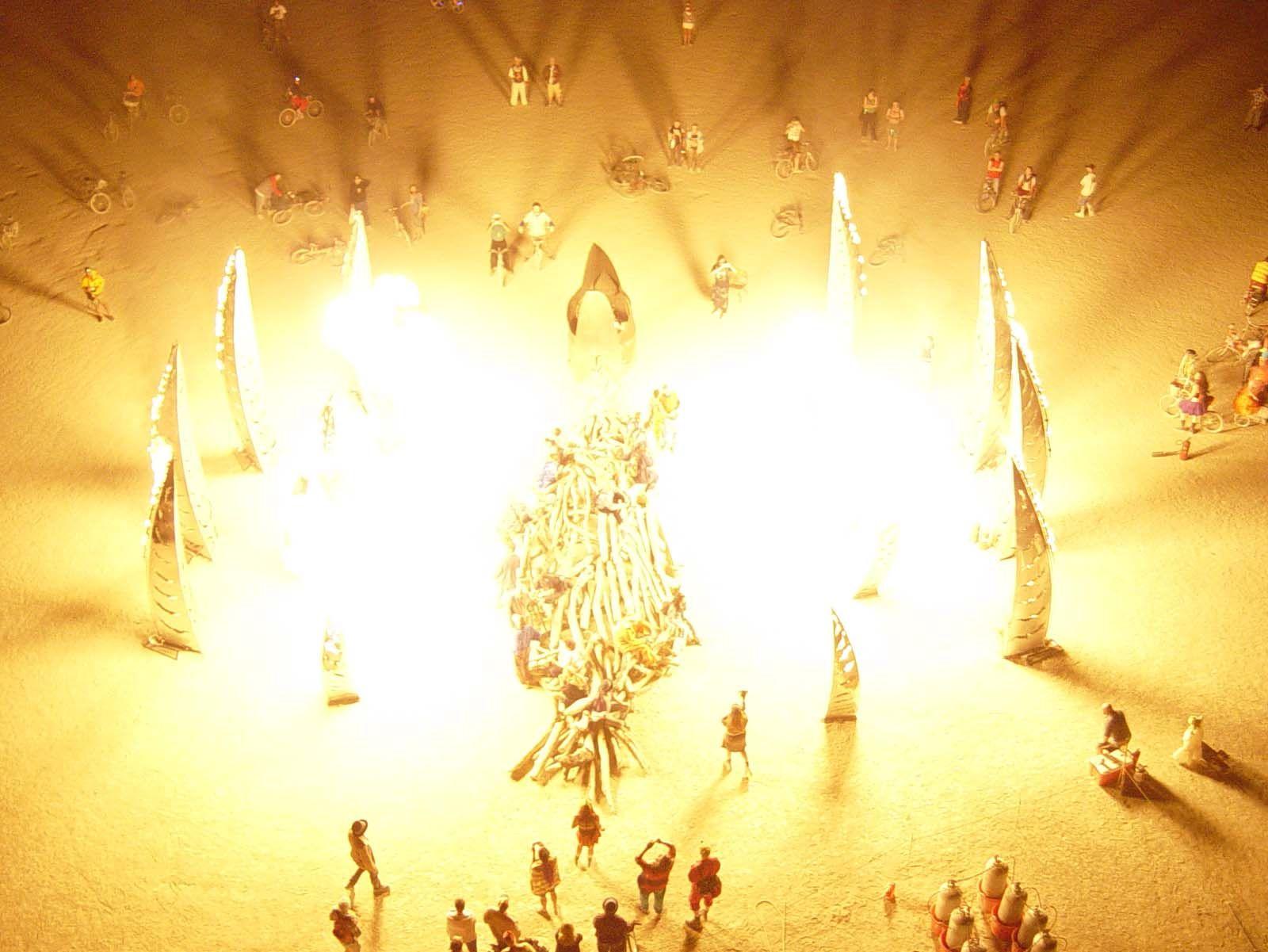 Flaming Lotus Girls; Angel of the Apocalypse photo: Caroline