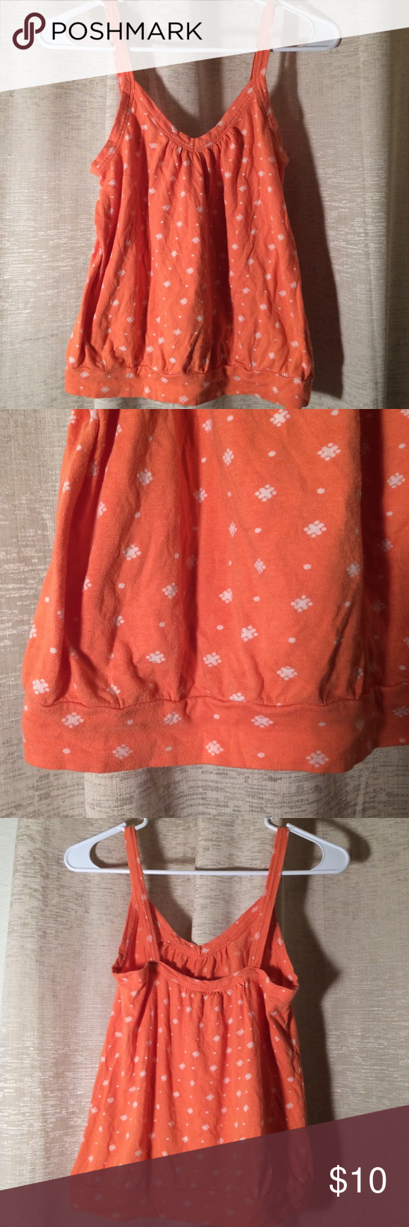Sweet Orange Old Navy V Neck Spaghetti Strap XS Perfect condition Old Navy Tops Camisoles