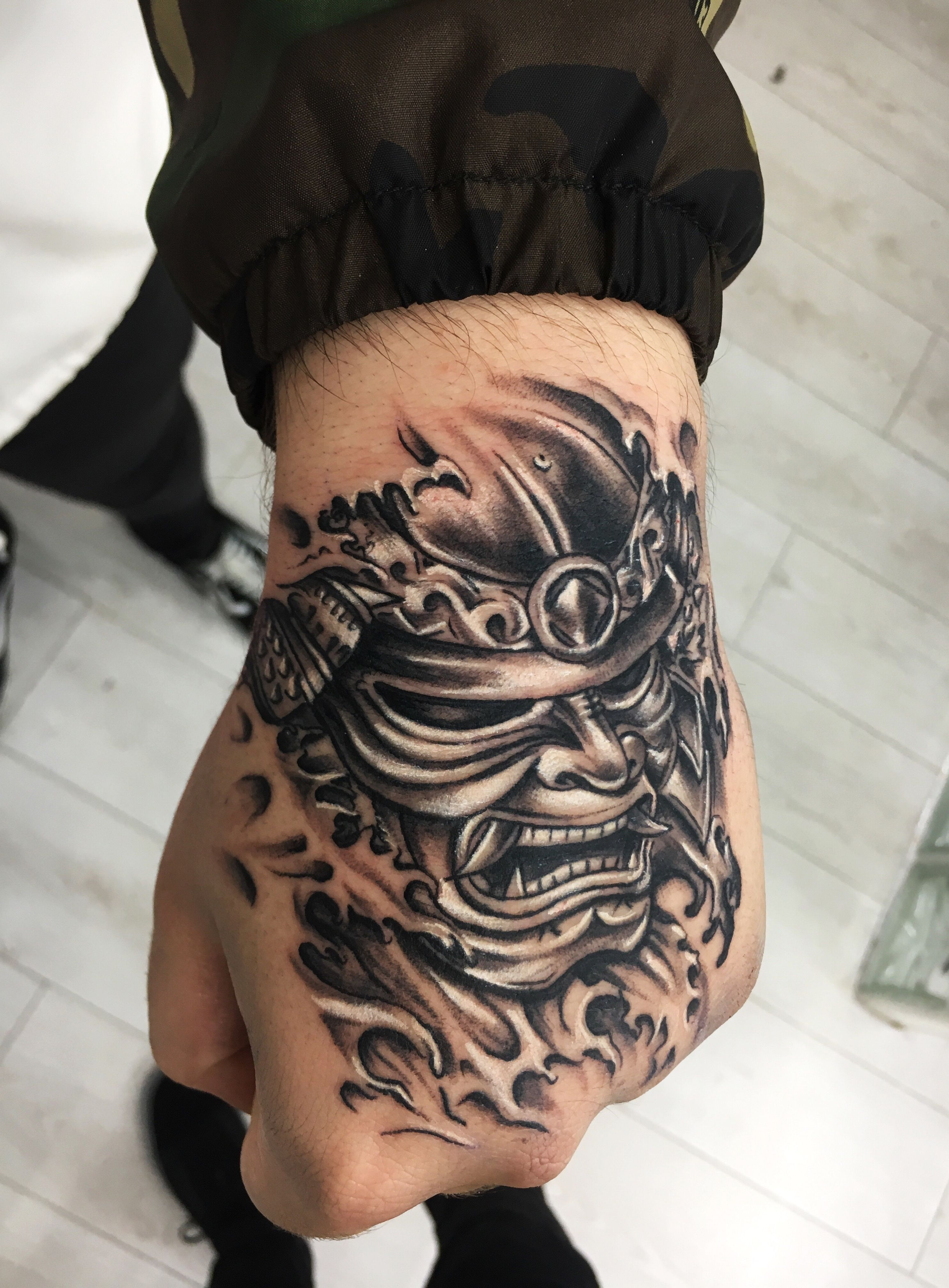 Image Result For Samurai Tattoo On Hand Japanese Tattoo Japanese Hand Tattoos Hand Tattoos