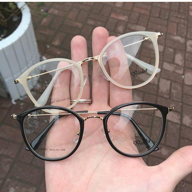 """Photo of 99 Glasses Italian Design auf Instagram: """"Zurück zur Website! Frame Frame Grade Creme und Schwarz 🕶 Preis $ 99 Zahlungsmethoden: Kreditkarte bis zu 3-mal zinsfrei,… """""""