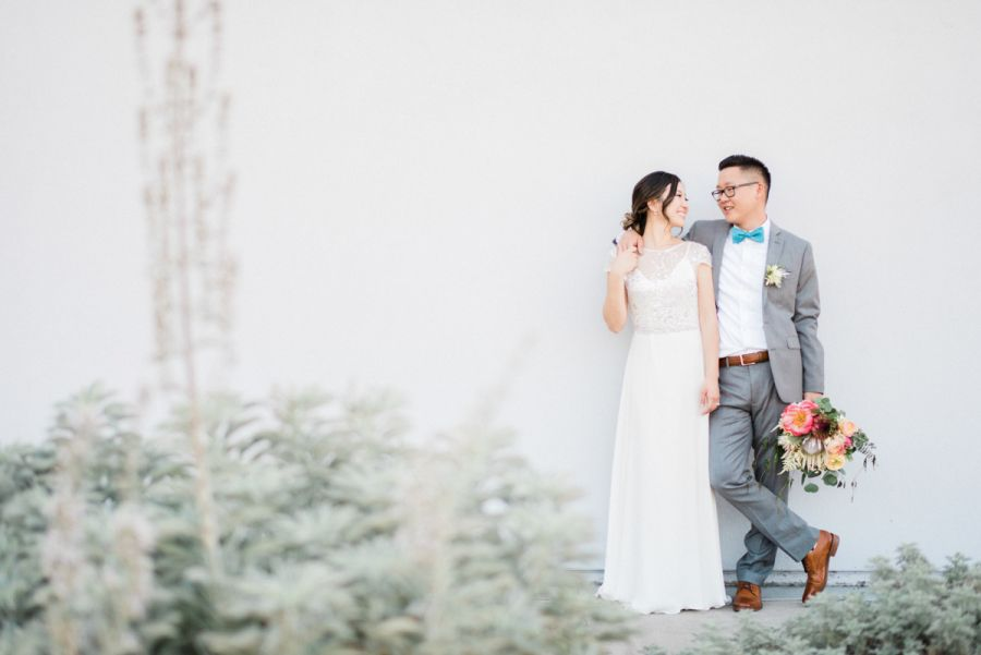 Photography : Ether & Smith Read More on SMP: http://www.stylemepretty.com/2016/10/01/colorful-smogshoppe-wedding-in-california/