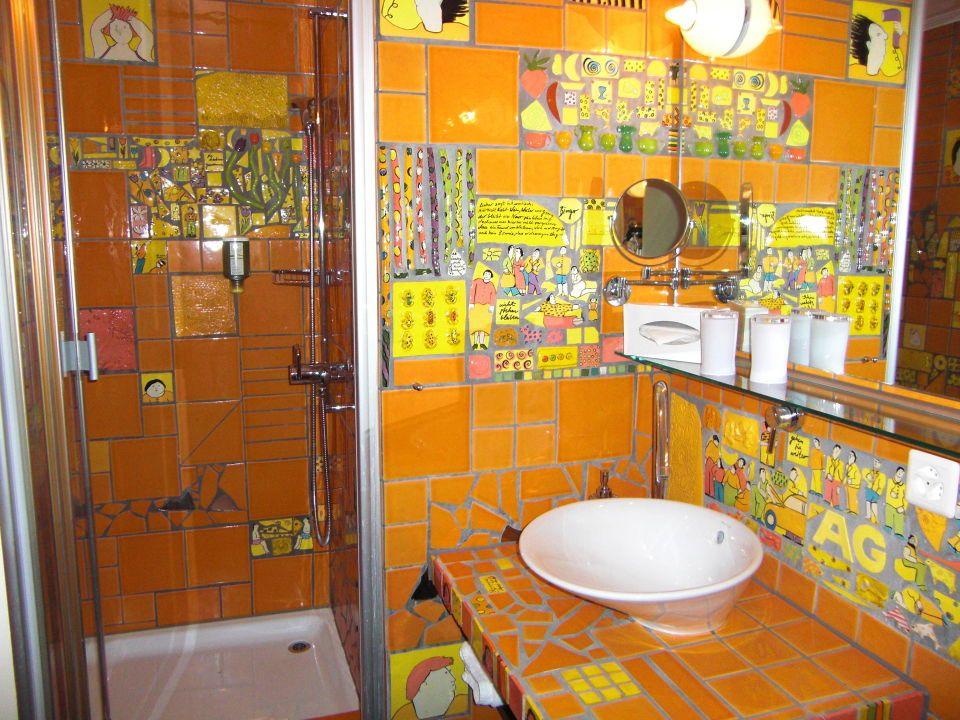 Bildergebnis für bad bunt holzboden Bad Pinterest - holzboden f r badezimmer