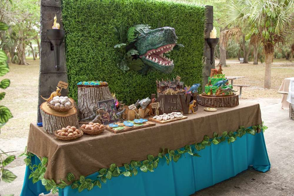 The Dessert Table At This Jurassic World Birthday Party Will Blow