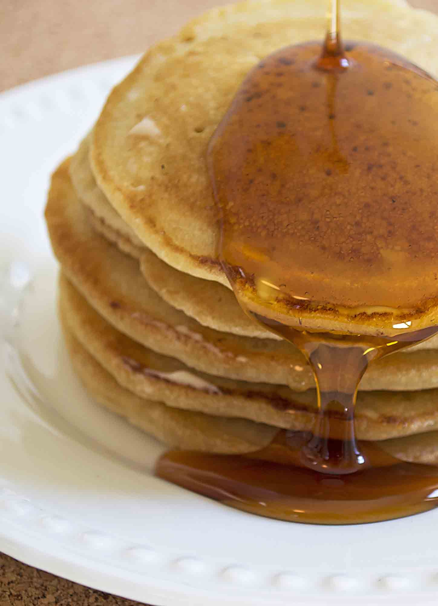 Vegan Pancakes - Breakfast is the most important meal of the day, and this awesome recipe for vegan pancakes will make it the best one too. Just add maple syrup and smile! www.vegandaydream.com