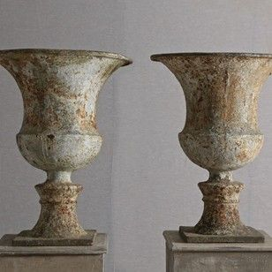 A Pair Of Late 18th Early 19th C English Urns Decorative Collective Antiques Urn Planters Statuary