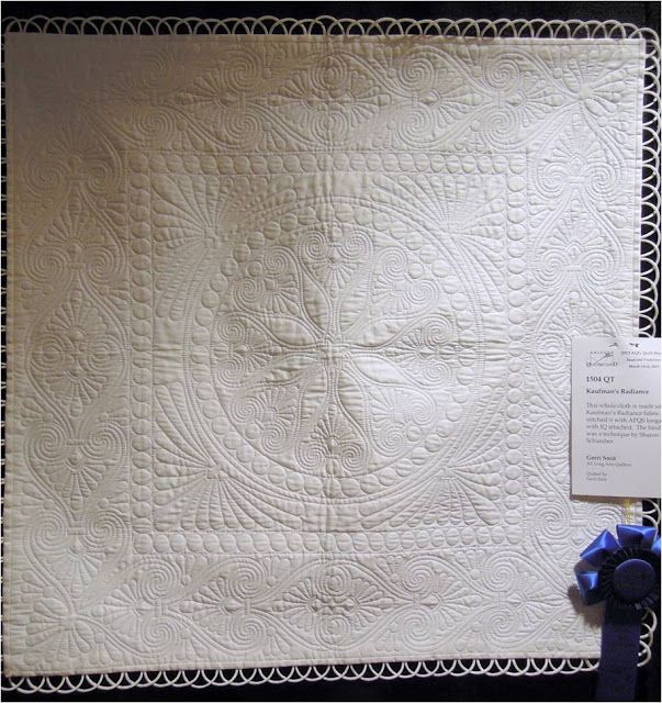❤ =^..^= ❤   Quilt Inspiration: Trends and Traditions: Arizona Quilters' Guild Show 2013 | Kaufman's Radiance by Gerri Smit