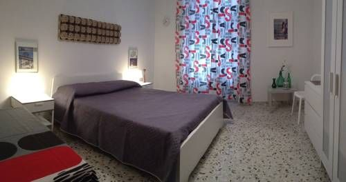 Le stanze sulla Cattedrale Ragusa Le stanze sulla Cattedrale is set in Ragusa, 31 km from Noto.  Rooms come with a TV. Each room is fitted with a private bathroom fitted with a bidet. Extras include bathrobes and free toiletries.