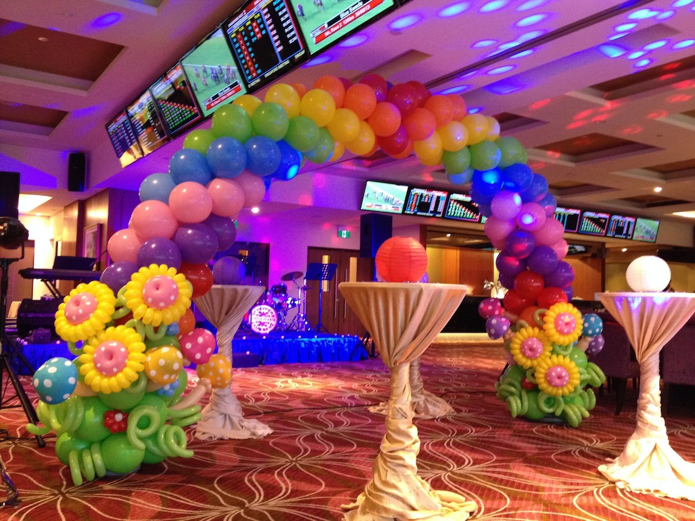 for Balloon decoration for kids birthday party