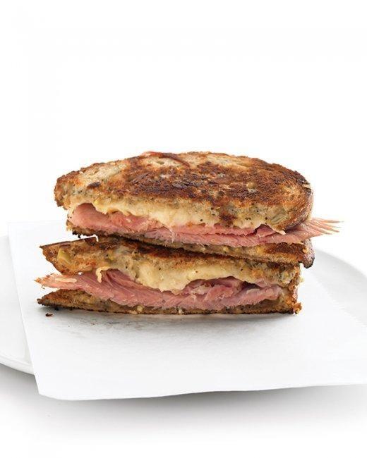 Amo prosciutto su un prosciutto e formaggio alla griglia panino, come un croque monsieur. - Marissa