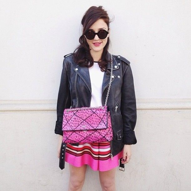 Roger Vivier bag @eleonoracarisi #style #styling #stylish #pink #rogervivier #bag #street #streetstyle #luxury #luxurystyle #luxuryfashion #cool #icon #streetfashion #fashion #fashionable #sunglasses #skirt #leather #jacket