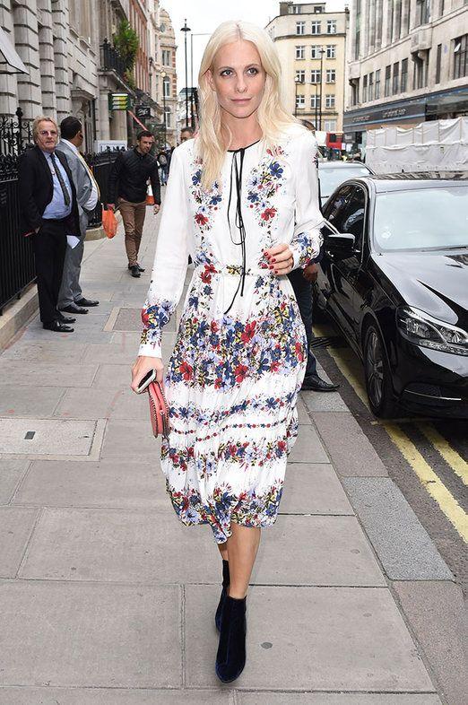 Poppy Delevingne llegando al desfile de Burberry en la Semana de la Moda de Londres.