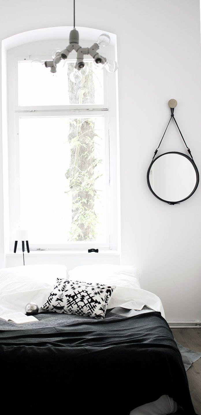 Via NordicDays.nl | Coco Lapine Design | Black and White