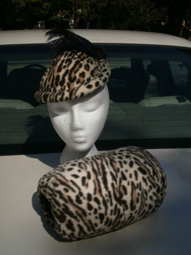 a30d2e688636 Vintage 1940's Hat & Muff ,Velvet Leopard and a plume | asusteet