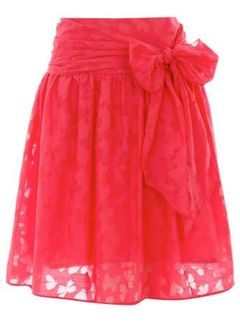 Completely in love with this skirt! The coral color is gorgeous and I love all things with bows!