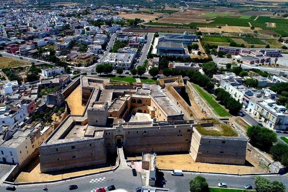 Veduta aerea del Castello di Copertino. Lecce