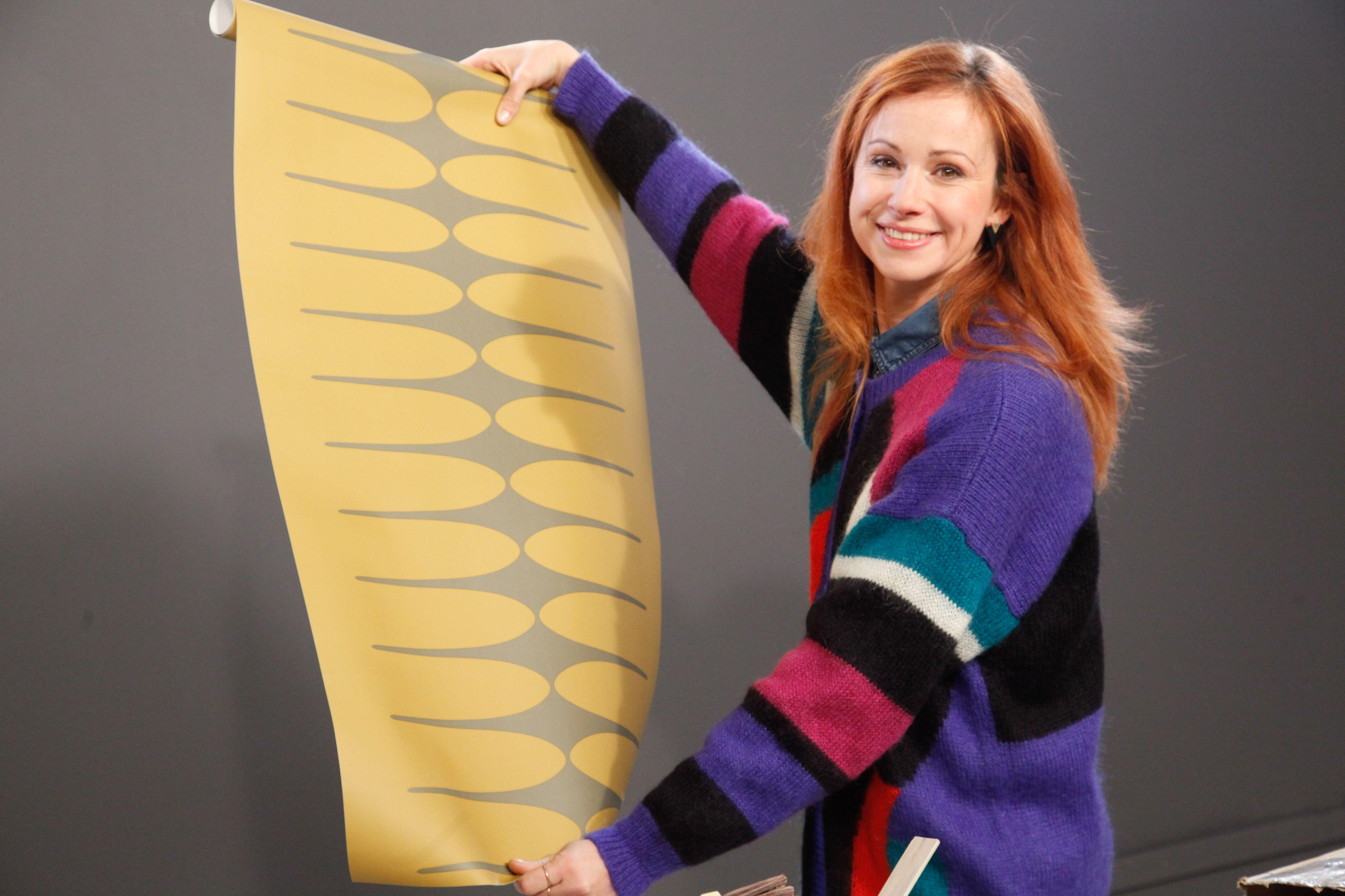 sophie ferjani d couvre le papier peint de rozenn pour sa chambre d 39 ado sport vintage papier. Black Bedroom Furniture Sets. Home Design Ideas