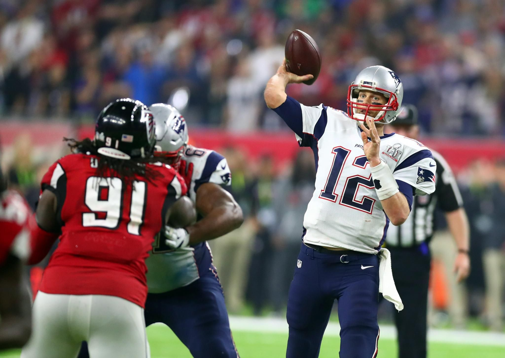 Why Patriots Wearing White Jerseys In Super Bowl Lii Is Significant Tom Brady Football Season Super Bowl Li
