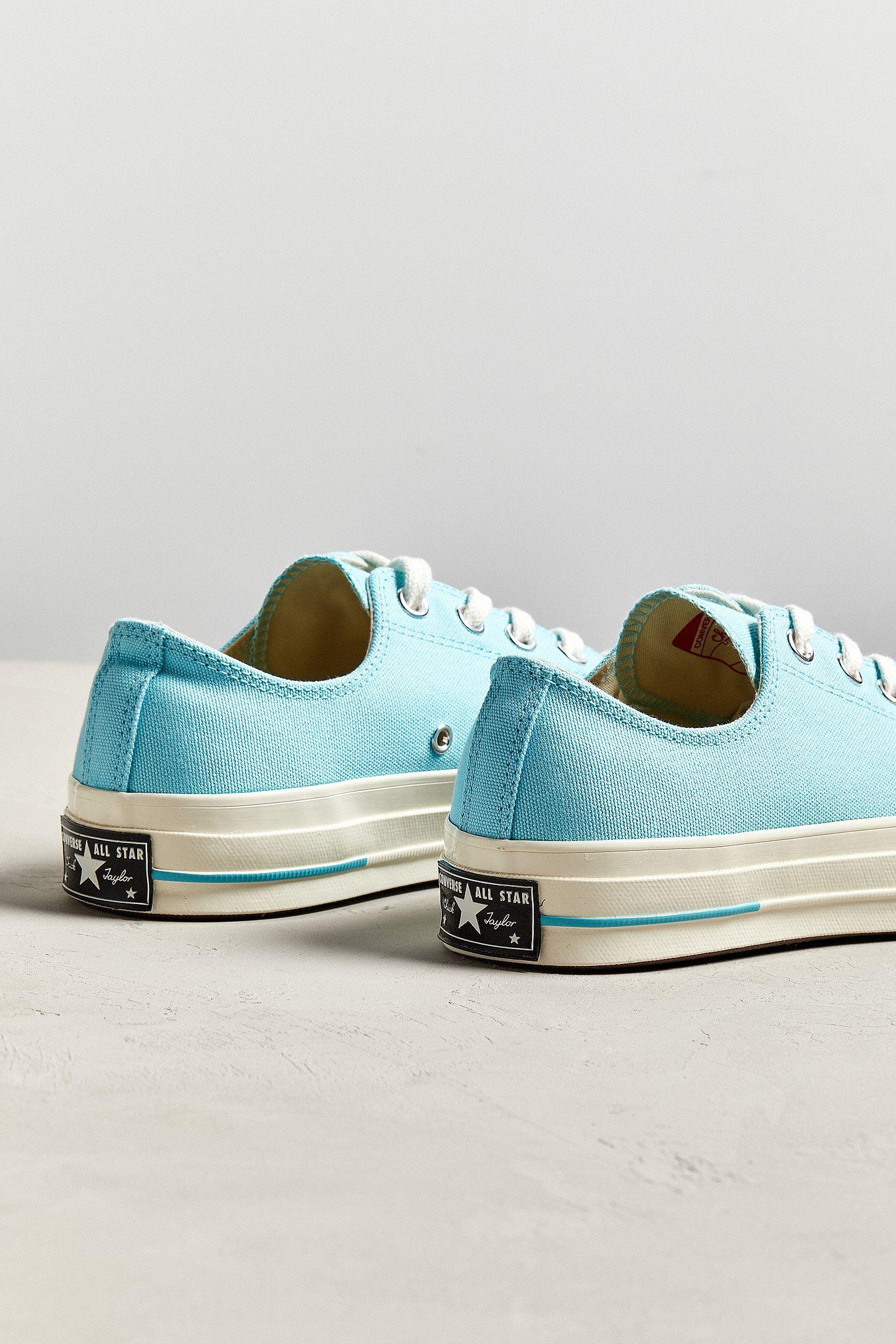 43d4f216b780 Slide View  4  Converse Chuck Taylor 70 OX Canvas Sneaker