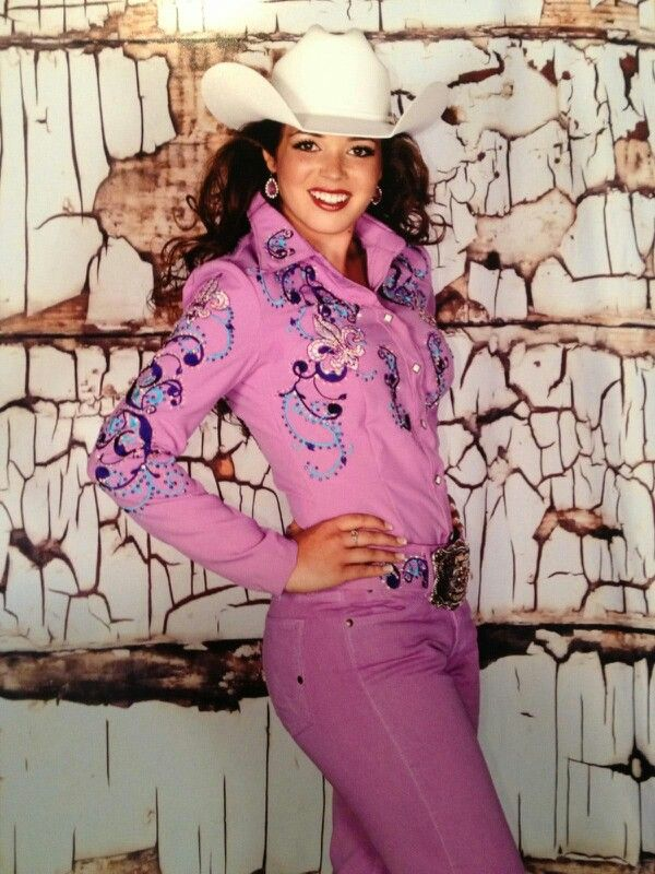 Kristi Q shirt   Cowgirl Diva in 2019   Rodeo outfits ...