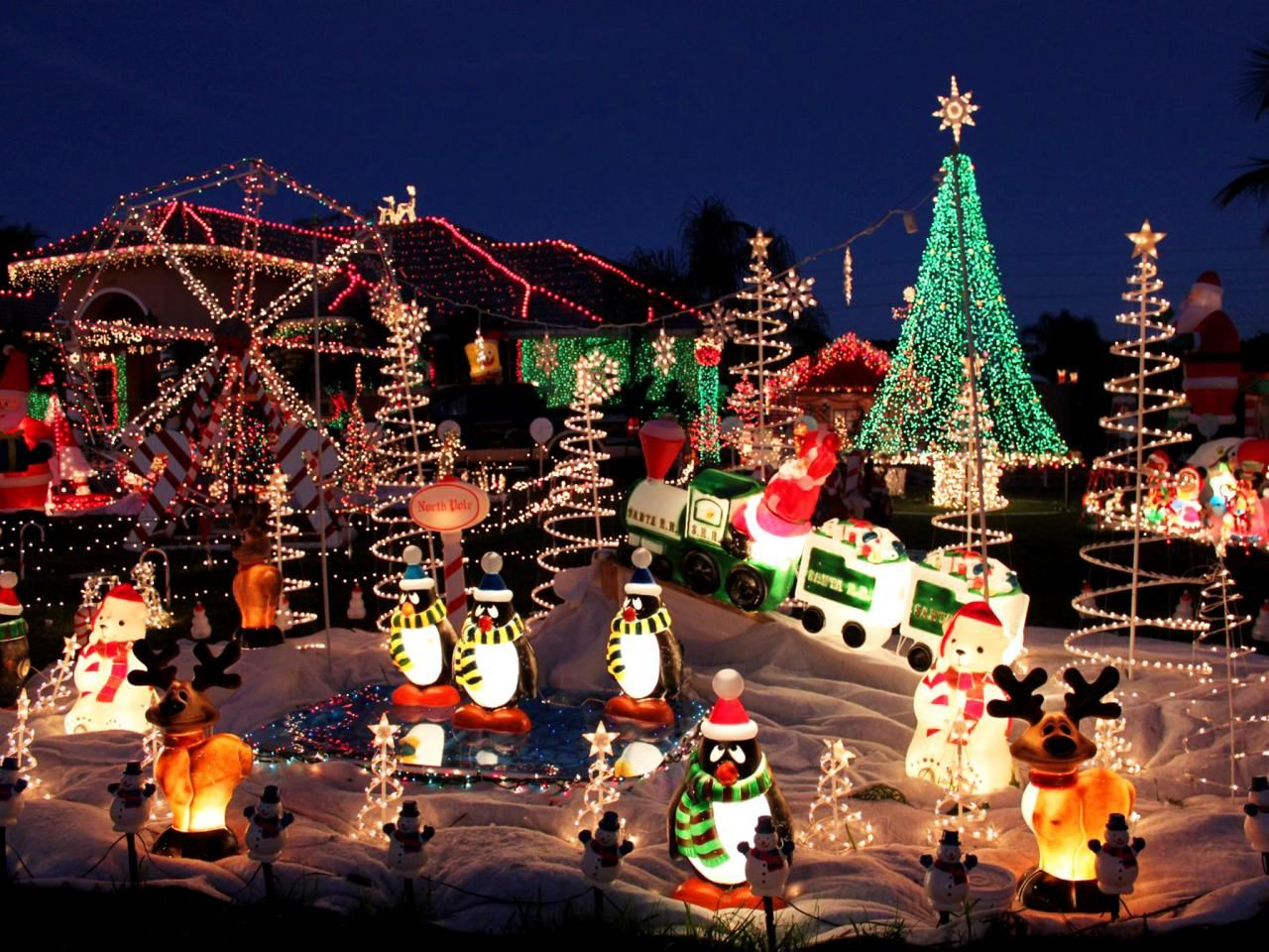 America\'s Most Dazzling: See Your State\'s Wildest Holiday Light ...