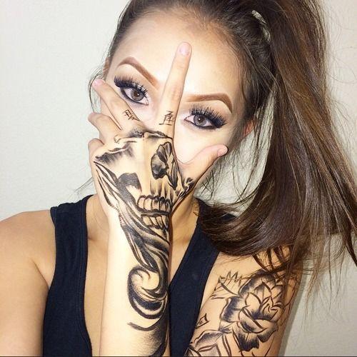 Pin By S H A Y S H A Y On Tattss Tattoos Hand Tattoos Girl