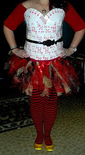 The [Very Busy] Working Artist: DIY: Queen of Hearts Costume