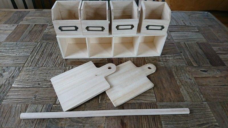 セリア ダイソーの人気アイテムで作る 収納ボックスつきキッチンペーパーホルダー キッチンペーパーホルダー 木箱で整理 ホルダー