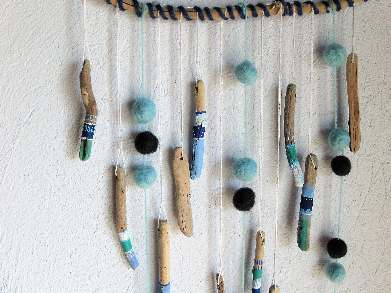 Decorazioni Per Casa Al Mare : Wall decor with felt balls and driftwood sea mobile beach home