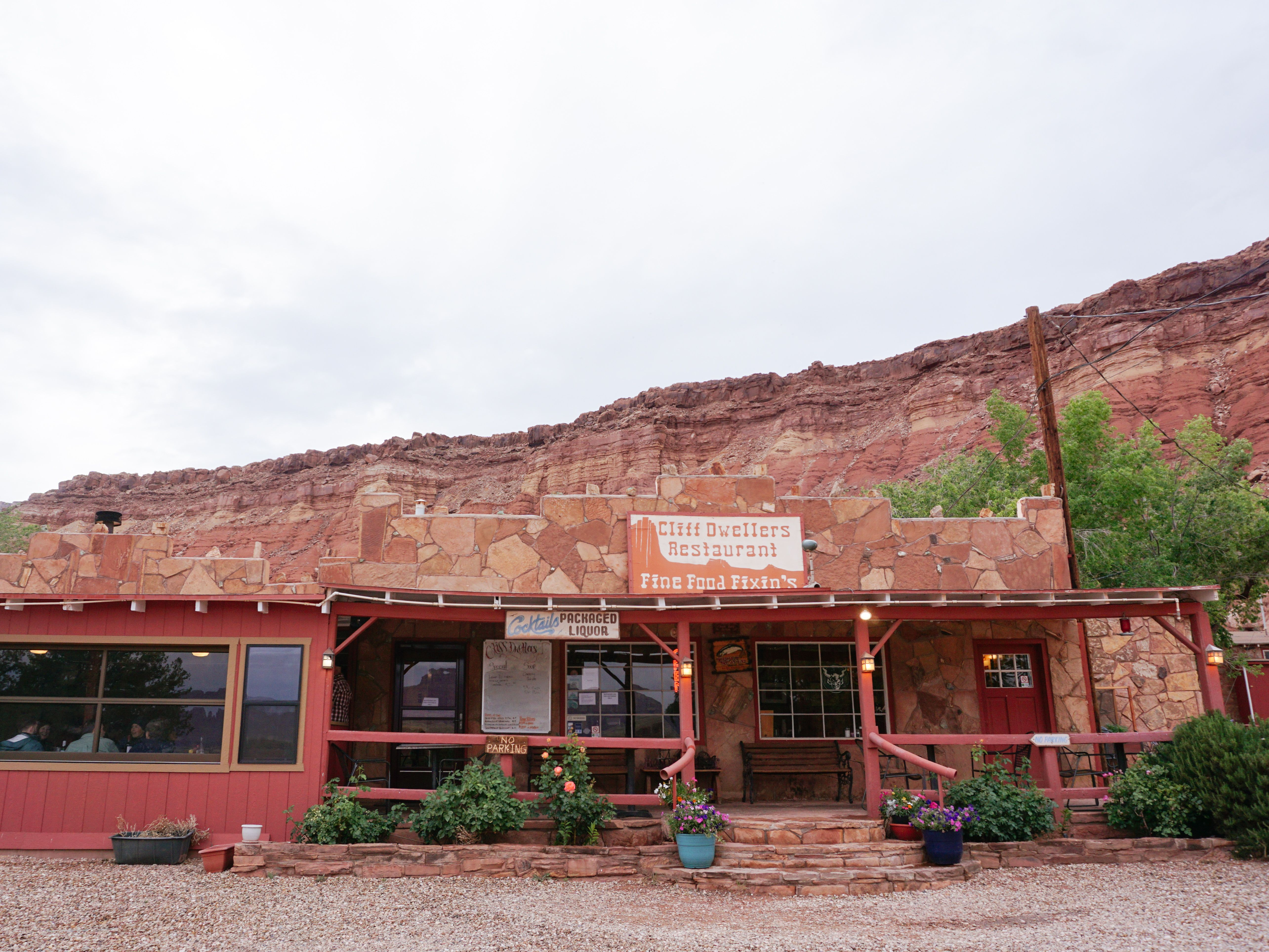 Cliff Dweller S Restaurant Arizona Road Trip Stop Grand Canyon Road Trips Road Trip Guides Canyon Road