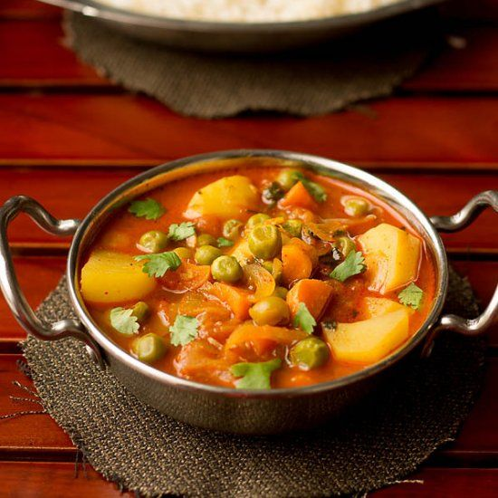 Easy mix vegetable curry made in a pressure cooker.