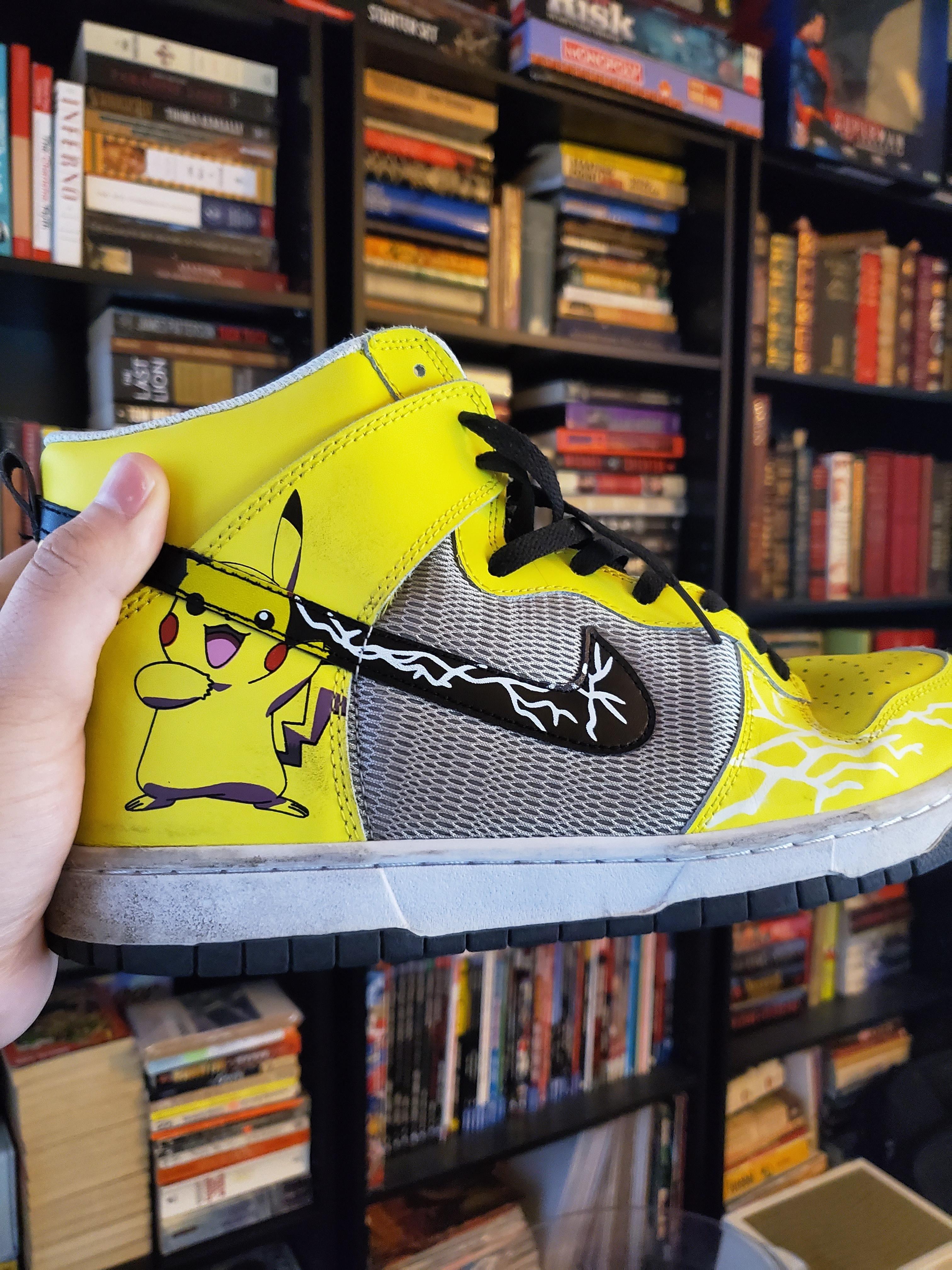 Eclipse solar interior sensación  About to represent in the theater when I go see Detective Pikachu! | Adidas  stan smith, Adidas stan, Adidas sneakers