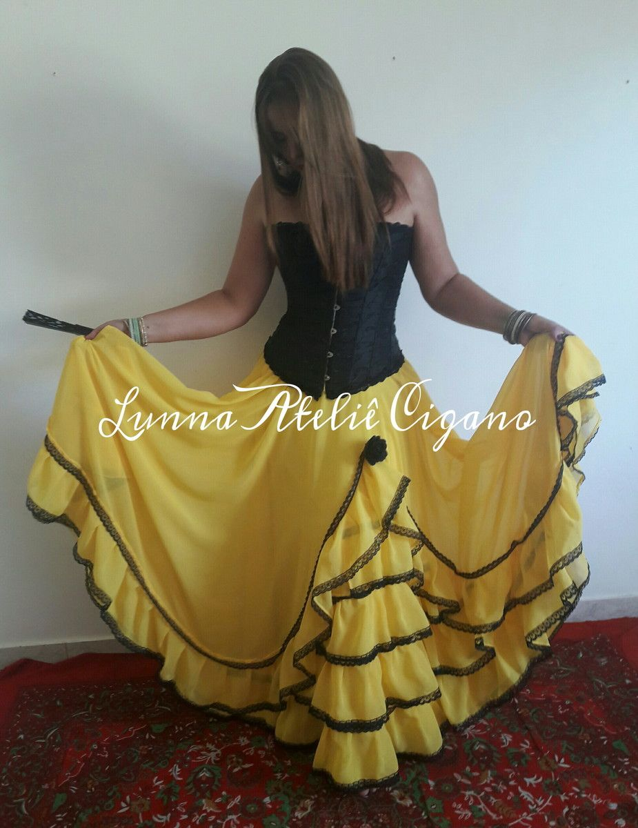 3795bdaebc Saia modelo Espanhola amarela com renda