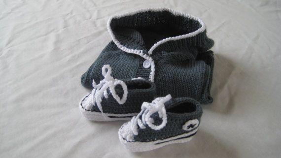 Estilo Converse con capucha y botines en gris pizarra