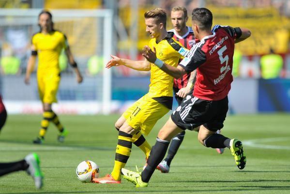 "Bundesliga บนทวิตเตอร์: ""30 minutes gone @fussballclub standing firm but @BVB pouring forward FCIBVB http://t.co/yfbEphN0BL"""
