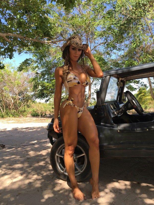 Noticías   Carol Saraiva exibe curvas perfeitas em ensaio sensual ousado. Veja fotos!   Portal do Zacarias - A verdade da informação em primeiro lugar!