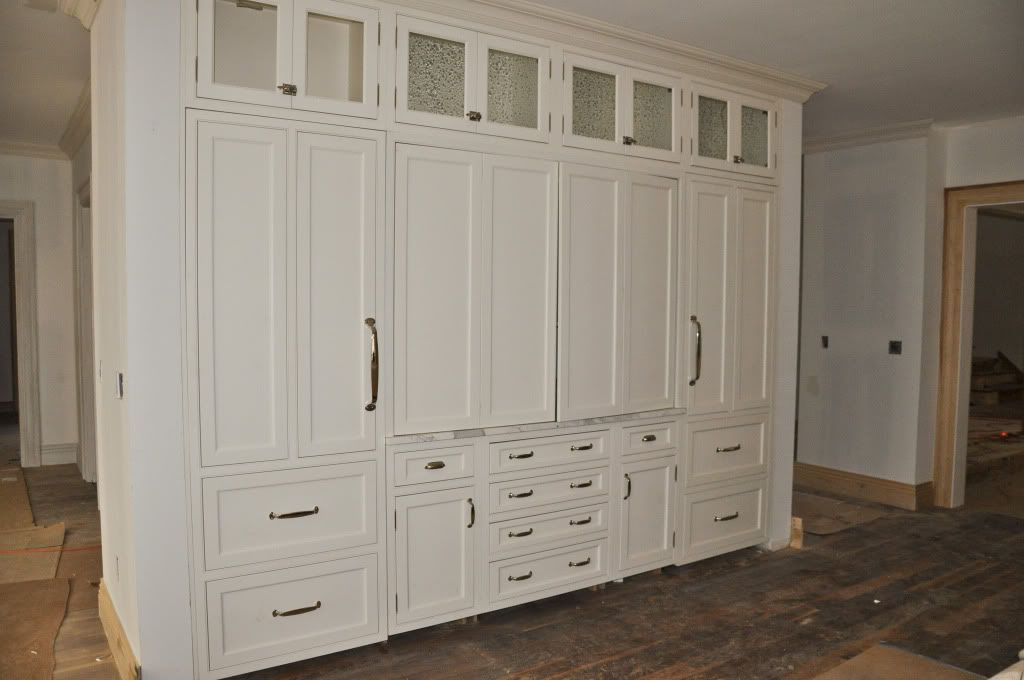 Cabinets to the ceiling ft ceilings and cabinets show - Bathroom storage cabinets floor to ceiling ...