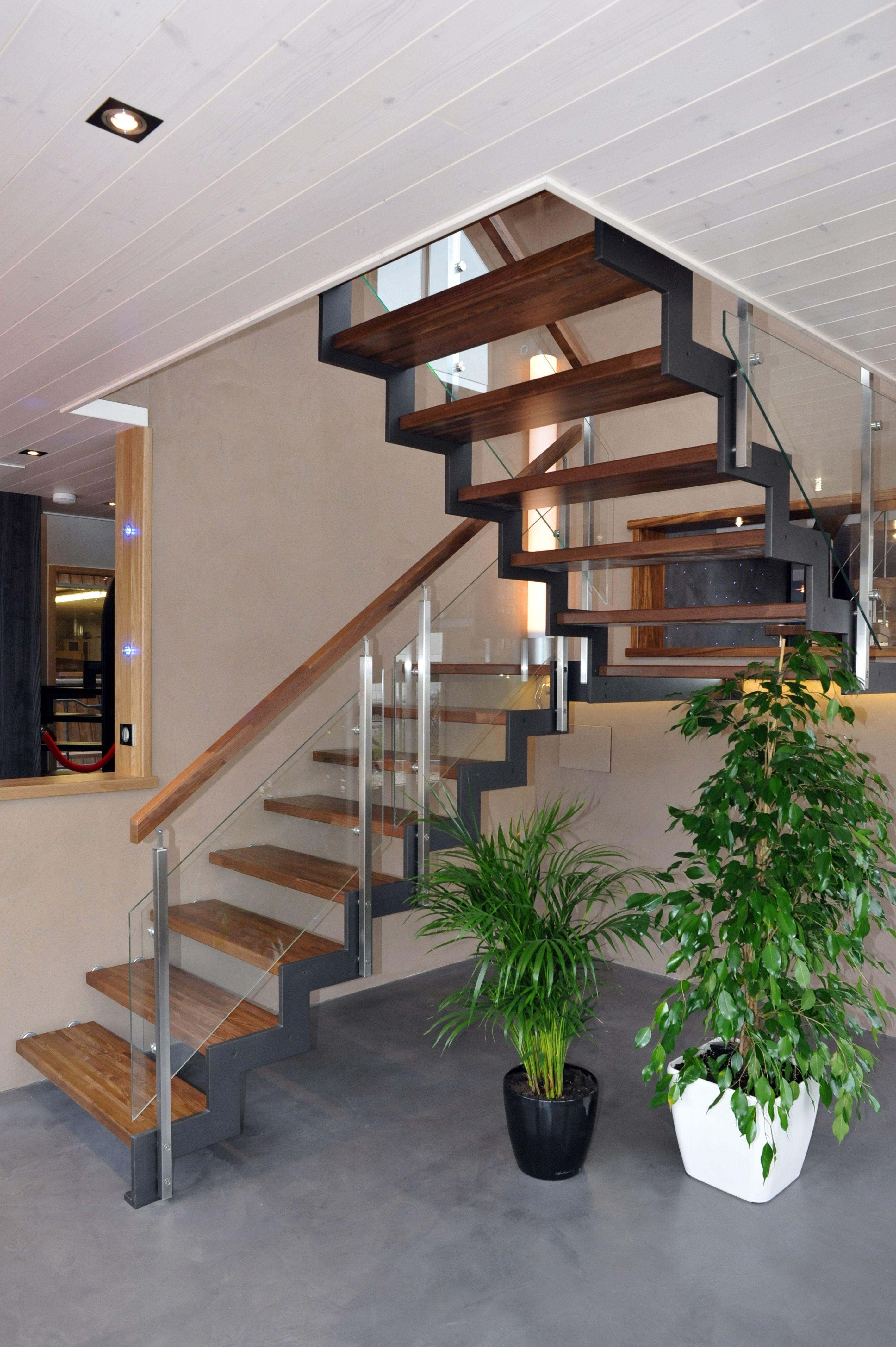 Style FERRO, Escalier intérieur avec limon crémaillères. Idée ...