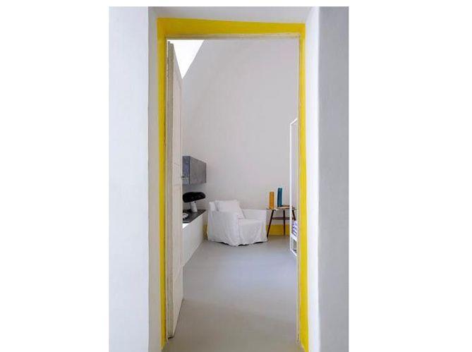 Une porte du0027intérieur personnalisée via une embrasure colorée Deco - decoration portes d interieur