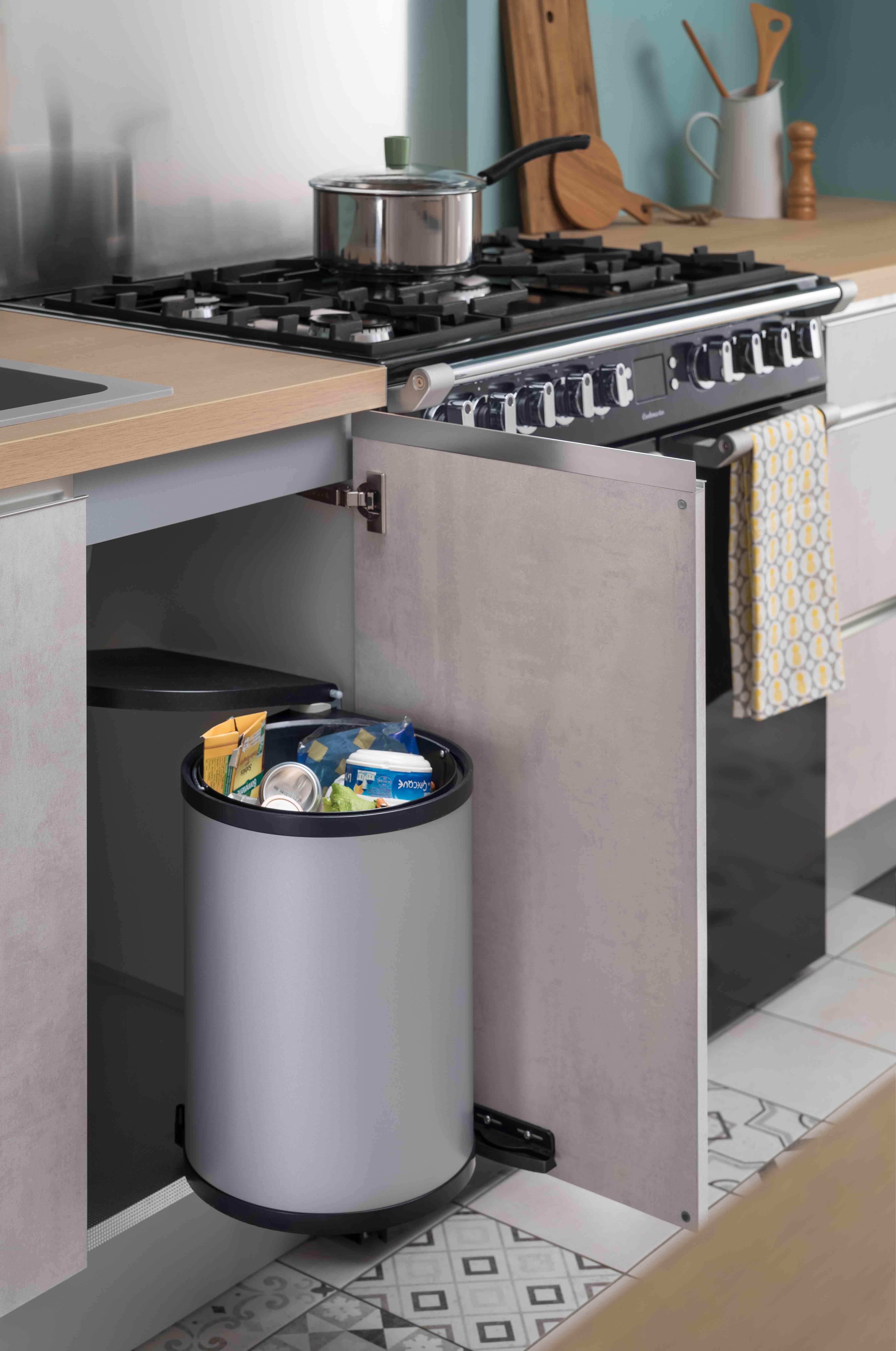 Les accessoires de cuisine meubles de cuisine poubelle cuisine accessoires cuisine et vier - Cuisine pratique et fonctionnelle ...