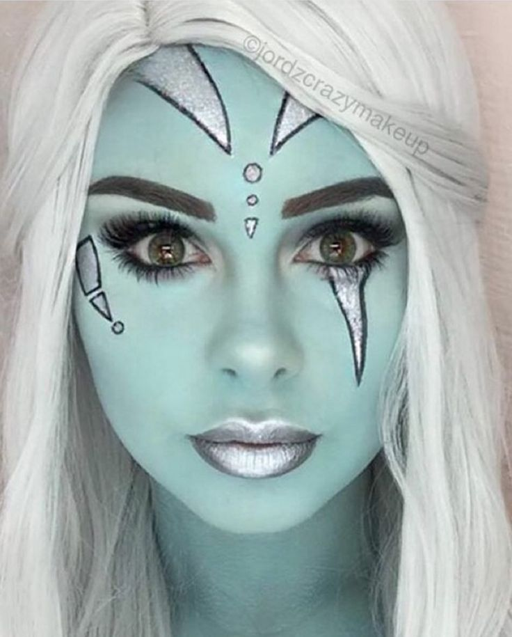 25 Creative Halloween Makeup Ideas #alienmakeup