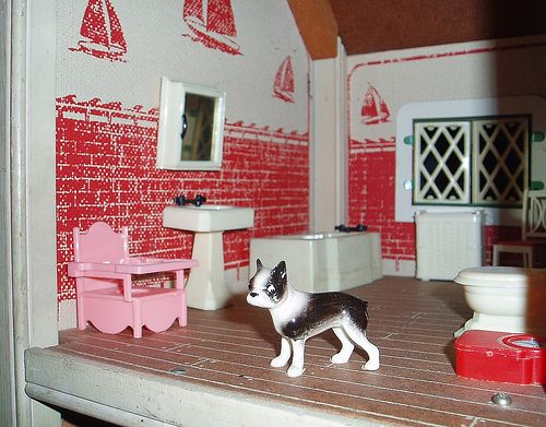 vintage dollhouse our house is a very very very fine house dollhouse dolls vintage. Black Bedroom Furniture Sets. Home Design Ideas