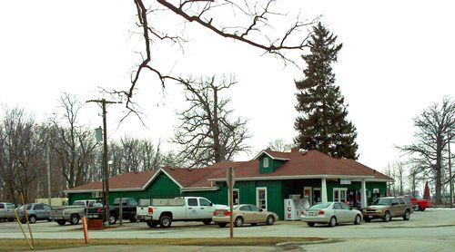 Green Gables Bar And Grill Lake Bloomington Illinois Best Burgers And Cheese Balls Bloomington Illinois Bloomington Lake Life