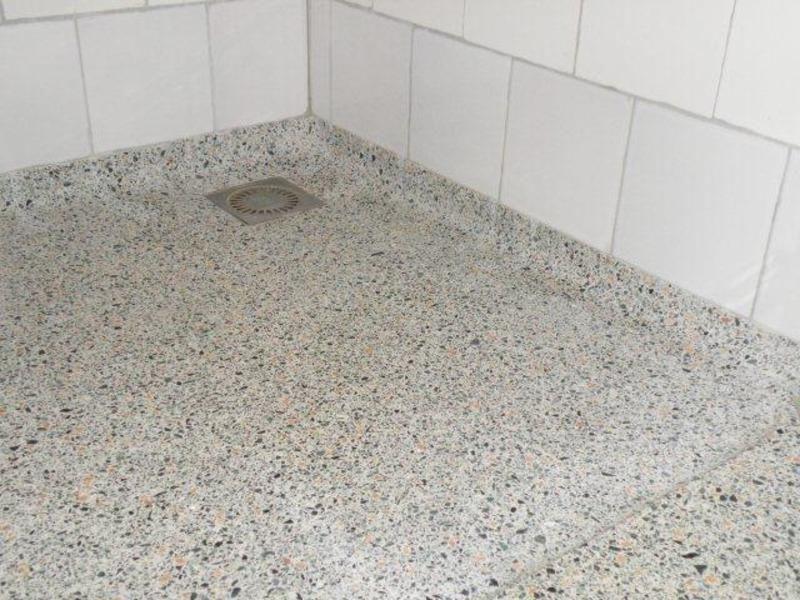 Terrazzo badkamer home terrazzo graniet en tegels for Badkamervloer schoonmaken