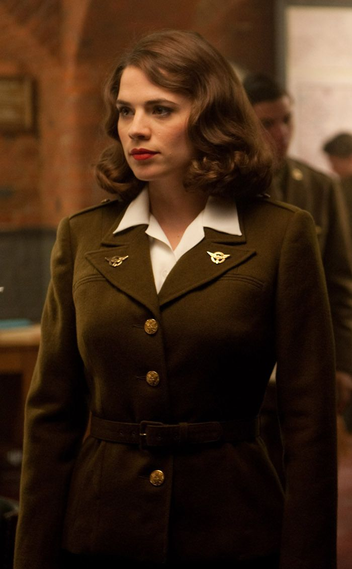 Can I just say how much I LOVE Captain America! He's so great. So what could be better than to be his leading lady, Agent Peggy Carter?
