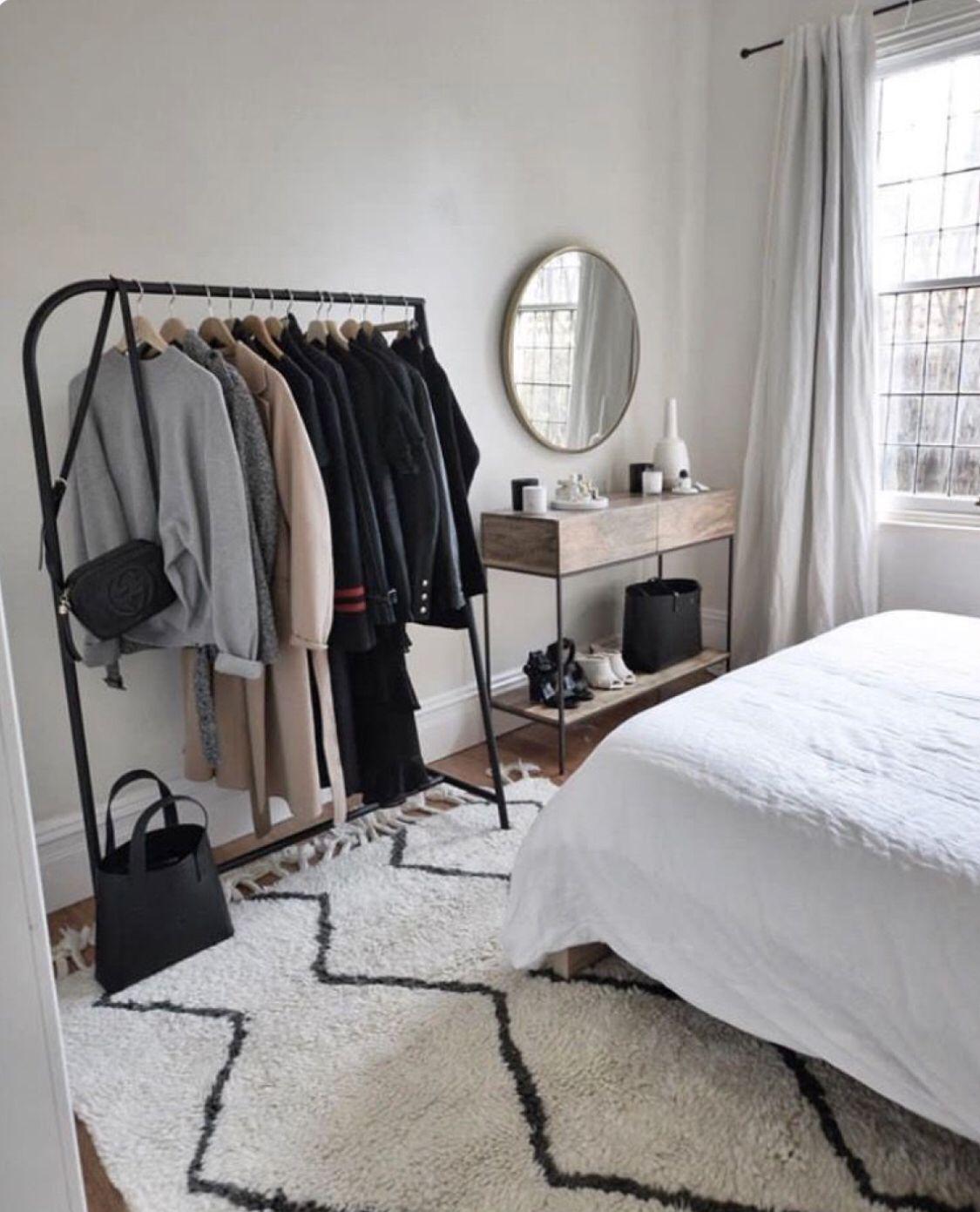 A E S T H E T I C Vyeeyewear Styling Modern Closet Minimal