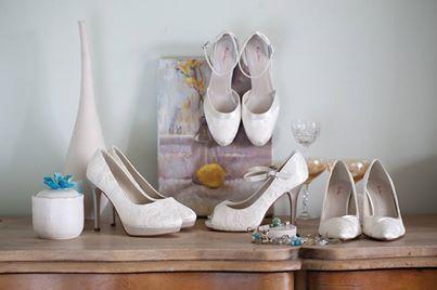 Stort utvalg av kvalitets Brudesko i vår nettbutikk www.abelone.no eller ta turen innom vår Brudesalong