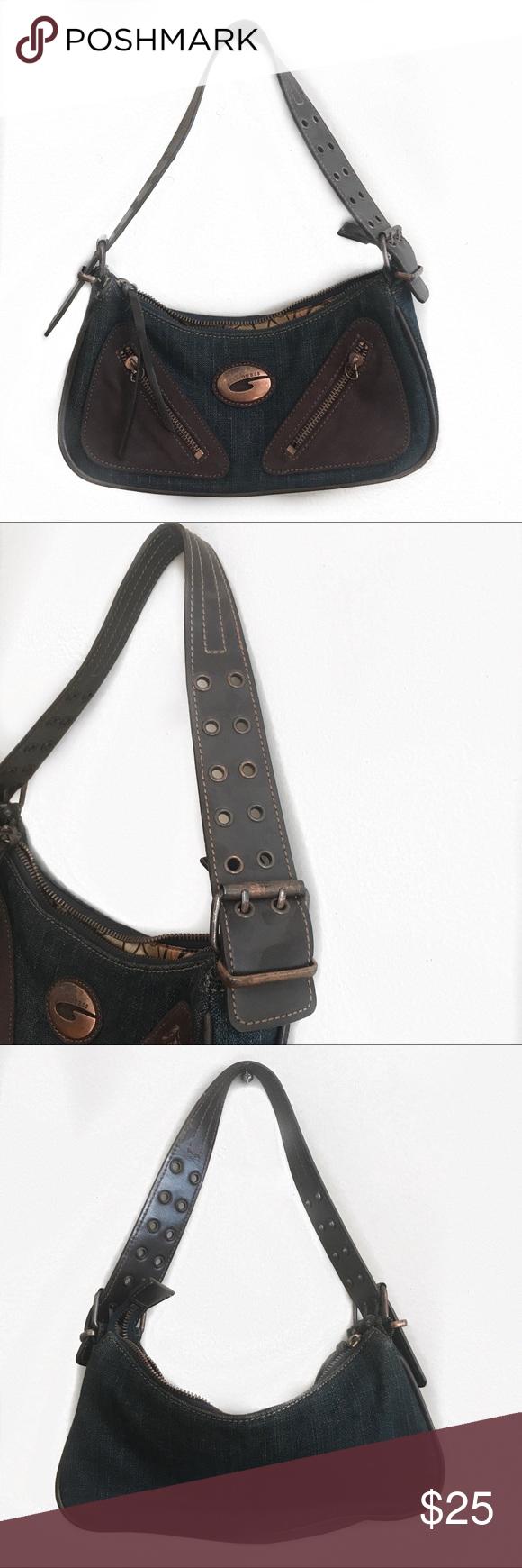 VINTAGE GUESS JEAN HANDBAG Vintage Guess Jean Denim Shoulder bag. ⭐️PLEASE  NOTE ZIPPER IS 65c630ca60
