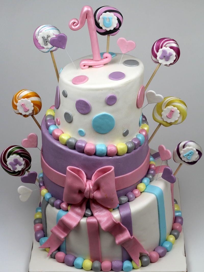 Topsy Turvy Cake, London Cakes http//www.pinkcakeland.co